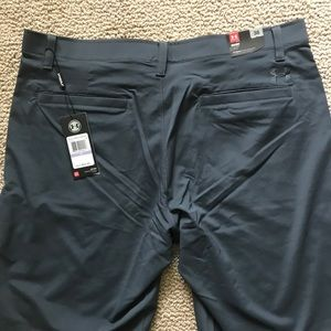 Under Armour Shorts - Under Armour Mens Flat Front Tech Golf Short - 10""